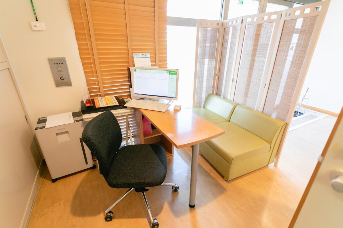 よしの女性診療所のサブ待合室の写真